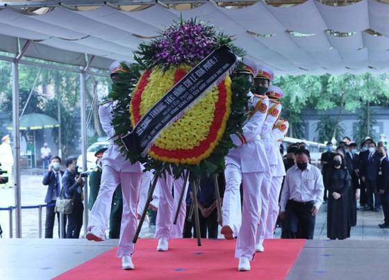 Cử hành trọng thể Quốc tang nguyên Tổng Bí thư Lê Khả Phiêu ảnh 13