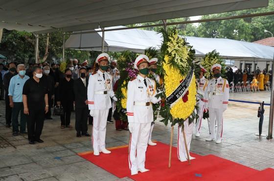 Cử hành trọng thể Quốc tang nguyên Tổng Bí thư Lê Khả Phiêu ảnh 30
