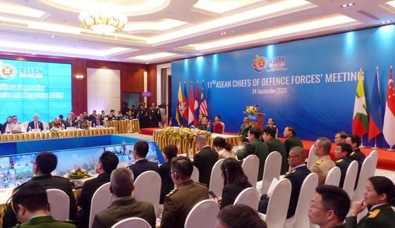 Khẳng định việc duy trì hòa bình, ổn định, an ninh, an toàn và tự do hàng hải ở Biển Đông ảnh 1