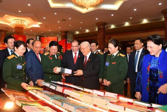 Khai mạc trọng thể Đại hội Đại biểu Đảng bộ Quân đội lần thứ XI, nhiệm kỳ 2020 - 2025 ảnh 6