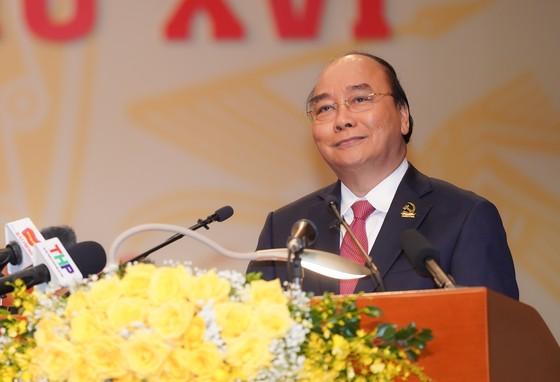 Thủ tướng Nguyễn Xuân Phúc: Hải Phòng phải tập trung phát triển kinh tế biển, trở thành một thành phố cảng quốc tế hiện đại ảnh 3