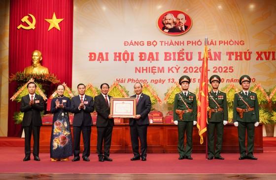Thủ tướng Nguyễn Xuân Phúc: Hải Phòng phải tập trung phát triển kinh tế biển, trở thành một thành phố cảng quốc tế hiện đại ảnh 4