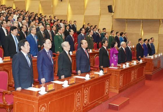 Thủ tướng Nguyễn Xuân Phúc: Hải Phòng phải tập trung phát triển kinh tế biển, trở thành một thành phố cảng quốc tế hiện đại ảnh 1