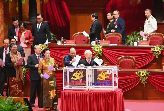 Đại hội XIII của Đảng tiến hành bầu Ban Chấp hành Trung ương khóa XIII ảnh 1