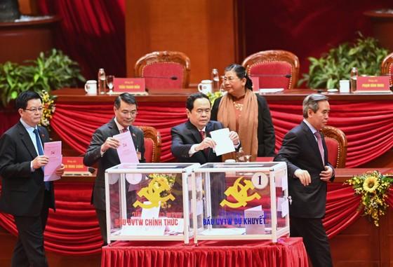 Đại hội XIII của Đảng tiến hành bầu Ban Chấp hành Trung ương khóa XIII ảnh 7