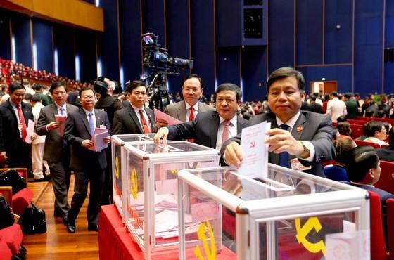Đại hội XIII của Đảng tiến hành bầu Ban Chấp hành Trung ương khóa XIII ảnh 9
