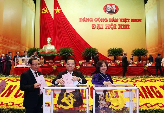 Đại hội XIII của Đảng tiến hành bầu Ban Chấp hành Trung ương khóa XIII ảnh 8