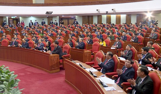 Đồng chí Nguyễn Phú Trọng được tín nhiệm bầu làm Tổng Bí thư Ban Chấp hành Trung ương Đảng khóa XIII ảnh 5