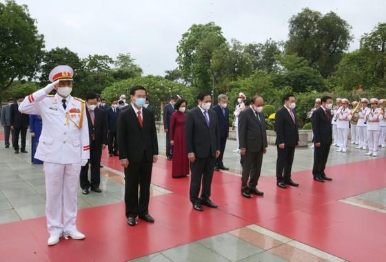 Lãnh đạo Đảng, Nhà nước vào Lăng viếng Chủ tịch Hồ Chí Minh ảnh 7