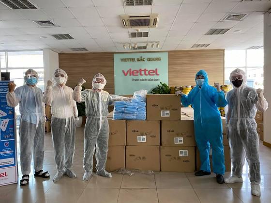Viettel hoàn thành lắp đặt và kết nối 3.000 camera giám sát tại các khu vực cách ly ảnh 1