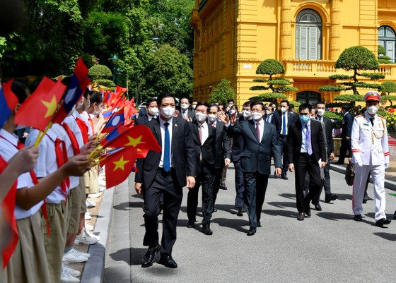 Tổng Bí thư, Chủ tịch nước Lào Thongloun Sisoulith thăm hữu nghị chính thức Việt Nam ảnh 4