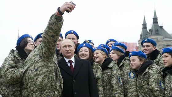 Cuốn sách bị xé về Putin đến với bạn đọc Việt Nam ảnh 3