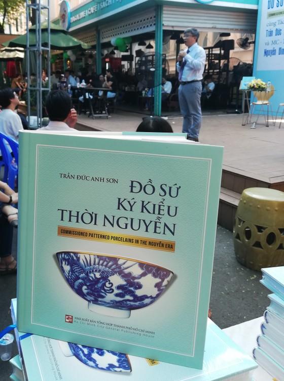 Đồ sứ ký kiểu thời Nguyễn - Dấu xưa một thuở! ảnh 2