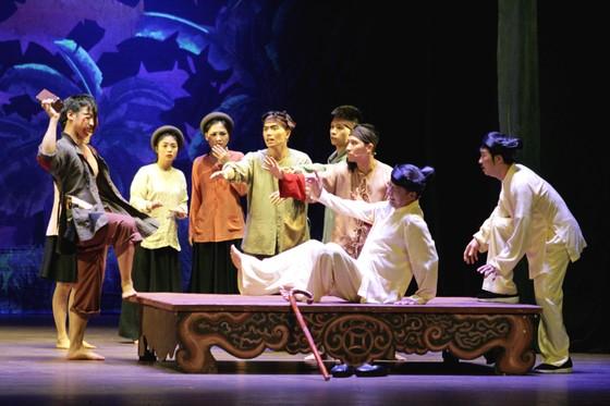 Chương trình biểu diễn nghệ thuật 'Kịch nghệ - Ngọn lửa tình yêu giữa Sài thành hoa lệ' ảnh 1