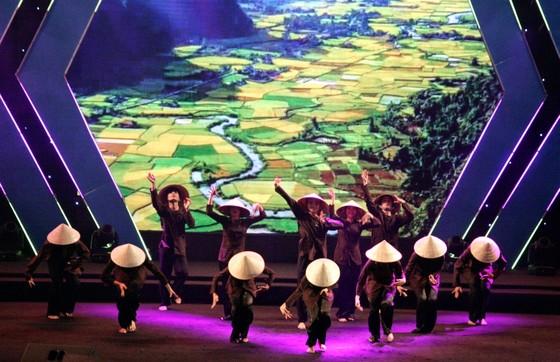 Tưng bừng Liên hoan nhóm nhảy TPHCM 'Sức bật tuổi trẻ' ảnh 1