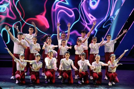 Tưng bừng Liên hoan nhóm nhảy TPHCM 'Sức bật tuổi trẻ' ảnh 5