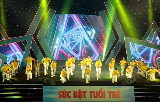 Tưng bừng Liên hoan nhóm nhảy TPHCM 'Sức bật tuổi trẻ' ảnh 6