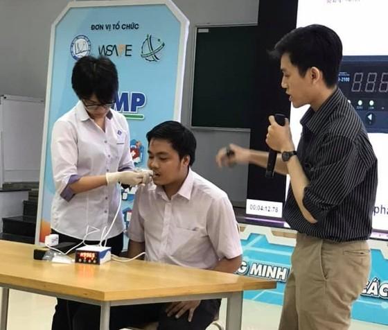 """""""Chế tạo máy đo lực cắn ở người"""" giành giải nhất cuộc thi iUMP ảnh 2"""