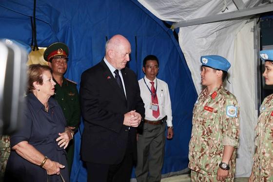 Toàn quyền Australia thăm Bệnh viện Dã chiến cấp 2 số 1 Việt Nam ảnh 1