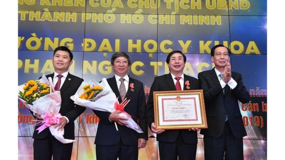 Trường Đại học Y khoa Phạm Ngọc Thạch đón nhận Huân chương Lao động hạng Nhì ảnh 4