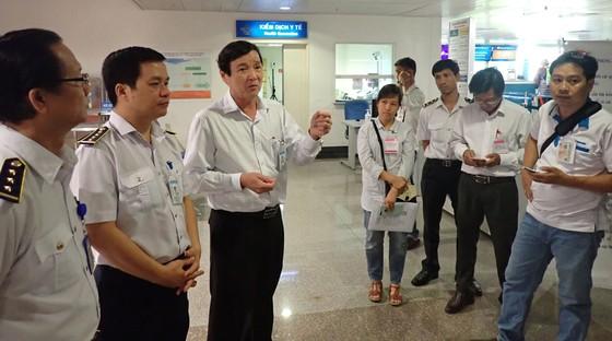 Siết chặt công tác phòng chống dịch bệnh viêm hô hấp cấp tại sân bay quốc tế Tân Sơn Nhất ảnh 2