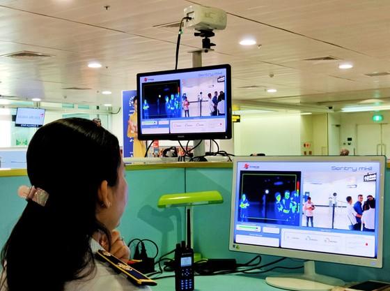Siết chặt công tác phòng chống dịch bệnh viêm hô hấp cấp tại sân bay quốc tế Tân Sơn Nhất ảnh 3