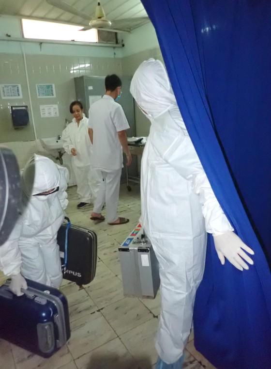 Diễn tập 2 tình huống khẩn cấp tiếp nhận bệnh nhân nhiễm virus Corona ảnh 1