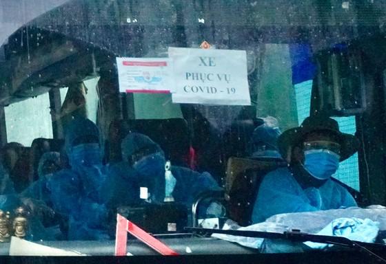 300 người 'mắc kẹt' ở Đà Nẵng đã trở về TPHCM ảnh 12