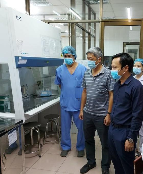 Viện Pasteur TPHCM thiết lập 2 phòng xét nghiệm đạt chuẩn quốc gia tại tâm dịch chỉ trong vòng 1 tuần ảnh 1