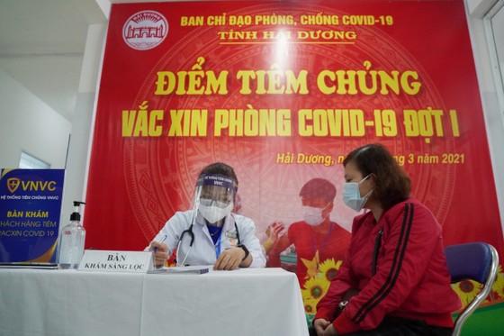 Sáng 8-3, triển khai những mũi tiêm vaccine ngừa Covid-19 đầu tiên tại TPHCM, Hà Nội và Hải Dương ảnh 13