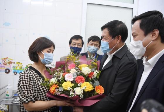 Sáng 8-3, triển khai những mũi tiêm vaccine ngừa Covid-19 đầu tiên tại TPHCM, Hà Nội và Hải Dương ảnh 14