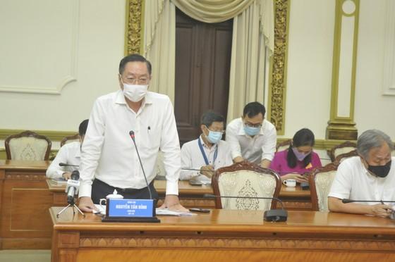 Chủ tịch UBND TPHCM Nguyễn Thành Phong yêu cầu kích hoạt toàn bộ phương án chống dịch Covid-19 mức cao nhất ảnh 2