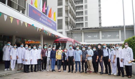 Đội phản ứng nhanh Bệnh viện Chợ Rẫy đến 'điểm nóng' Bắc Giang ảnh 1