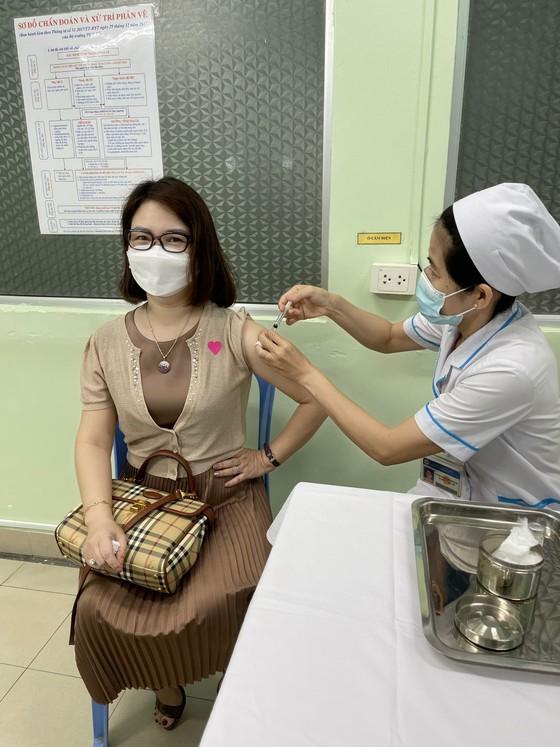 288.000 liều vaccine Covid-19 của AstraZeneca đã về Việt Nam ảnh 1