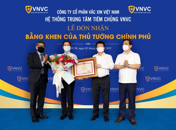 Đưa vaccine về Việt Nam, VNVC được Thủ tướng Chính phủ tặng Bằng khen ảnh 1