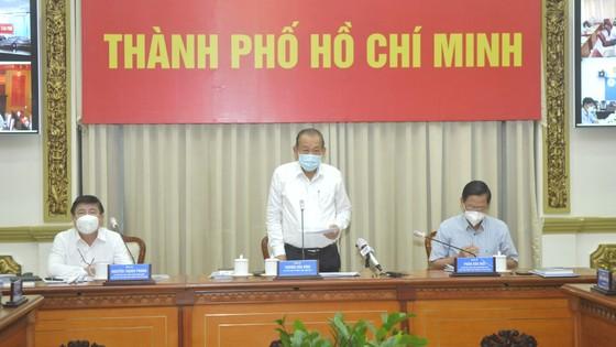 Phó Thủ tướng Thường trực Trương Hòa Bình: Thực hiện quyết liệt các giải pháp để cuối tháng 7, dịch Covid-19 ở TPHCM phải giảm sâu ảnh 4