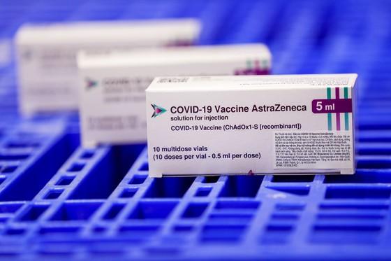 Sáng 29-7, gần 660.000 liều vaccine Covid-19 của AstraZeneca về đến Việt Nam ảnh 2