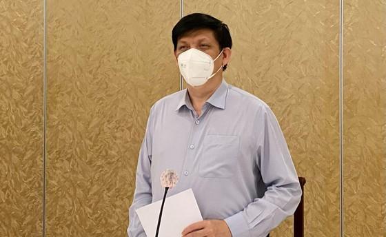 Bộ trưởng Bộ Y tế: Cả y tế công lập và tư nhân đồng hành chống dịch ảnh 1