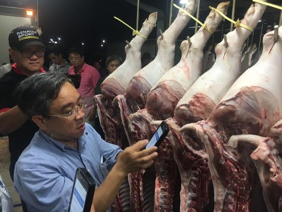 Truy xuất nguồn gốc thịt heo ở chợ đầu mối: Nơi làm nơi không ảnh 1