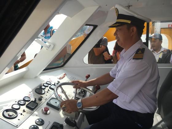 Buýt sông chính thức hạ thủy vận hành kỹ thuật ảnh 6