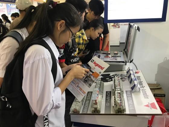 Hơn 200 gian hàng triển làm quốc tế ngành điện, máy móc công nghiệp ảnh 3