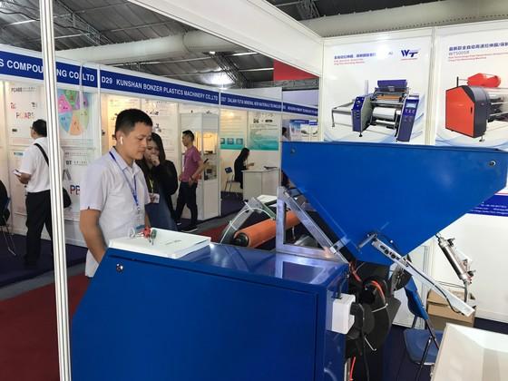Hơn 500 nhà cung cấp tham dự triển lãm ngành cao su, nhựa ảnh 1