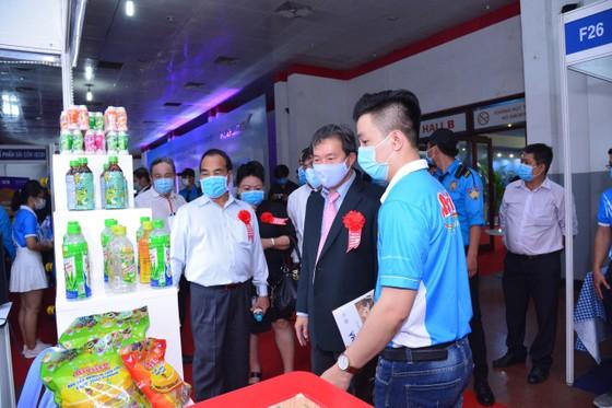 Khai mạc Hội chợ triển lãm 'Tôn vinh hàng Việt năm 2020' ảnh 1