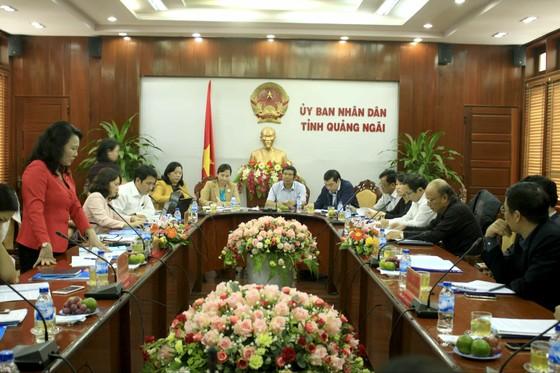 Thứ trưởng Nguyễn Thị Nghĩa kiểm tra các cơ sở giáo dục mầm non tại khu công nghiệp Quảng Ngãi ảnh 1