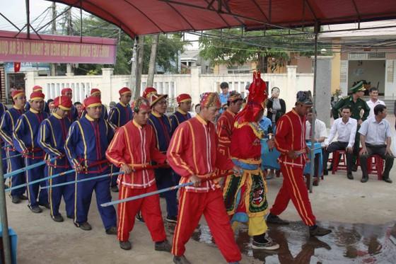 Quảng Ngãi: Lễ hội cầu ngư và ra quân đánh bắt đầu năm ảnh 4