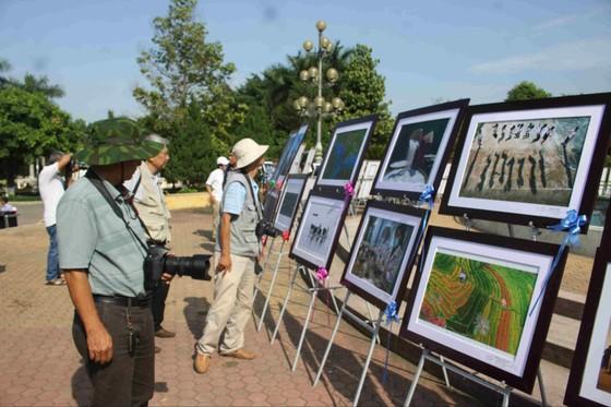Khai mạc liên hoan ảnh nghệ thuật khu vực Nam Trung Bộ và Tây Nguyên lần thứ 23 ảnh 6