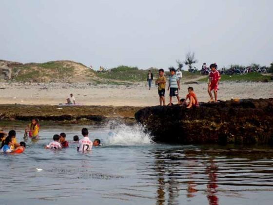 Tắm biển, một du khách tử vong tại đảo Lý Sơn ảnh 1