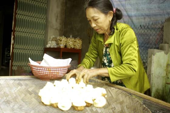 Làng đúc bánh thuẫn Quảng Ngãi vào tết ảnh 3