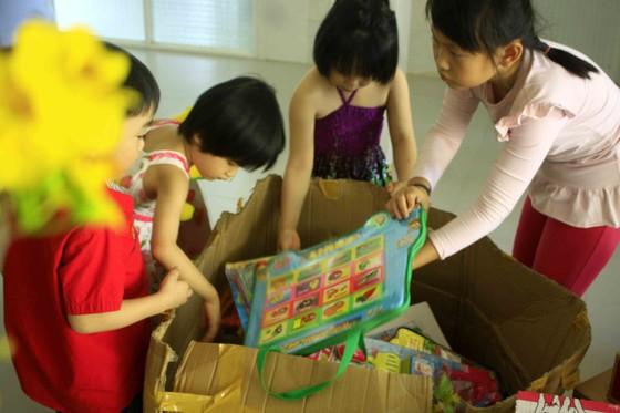 Tết với trẻ em ở Cô nhi viện Phú Hòa ảnh 6