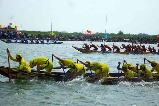 Nét đẹp lễ hội đua thuyền vùng sông nước ở Quảng Ngãi ảnh 3